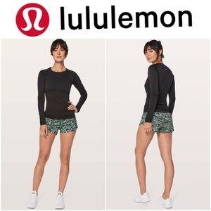 "Lululemon Speed Up Short 2.5"" in black and white"